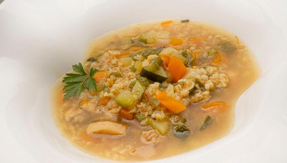 La receta de sopa de Karlos Arguiñano para combatir el frío de la borrasca Filomena