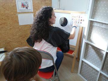Alba Pérez en su centro para niños que sufren trastorno del espectro autista