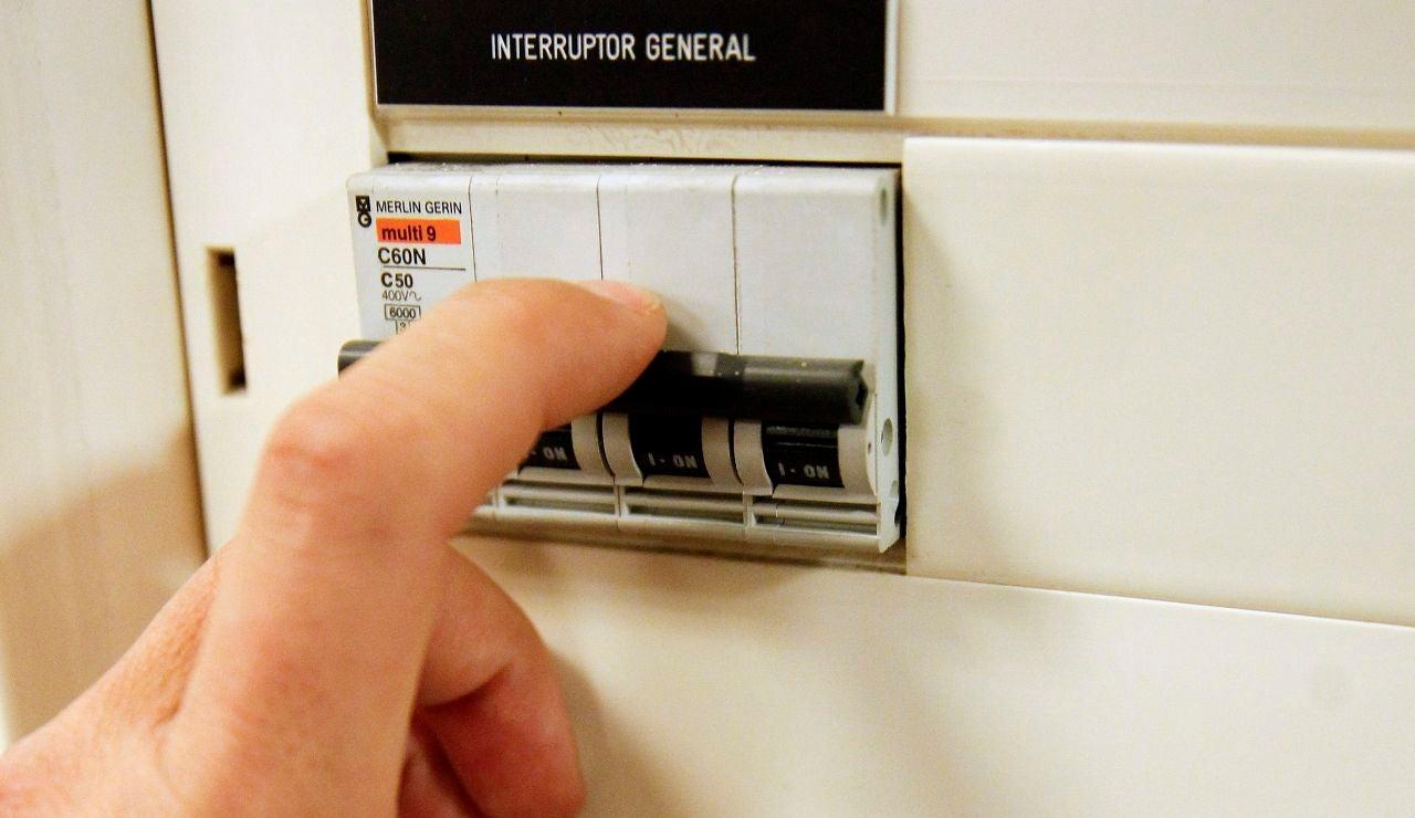 La subida del precio de la luz abre el debate sobre el modelo energético.