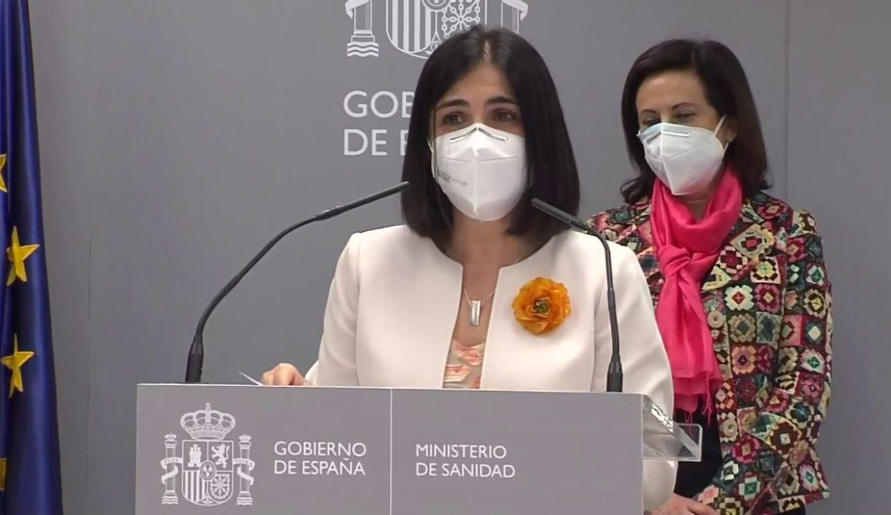 """Carolina Darias, con la cartera del ministerio de Sanidad: """"La lucha contra la pandemia es una guerra sin tregua"""""""