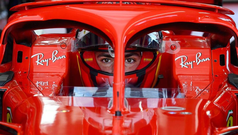 Carlos Sainz, en su primer día al mando de un Ferrari