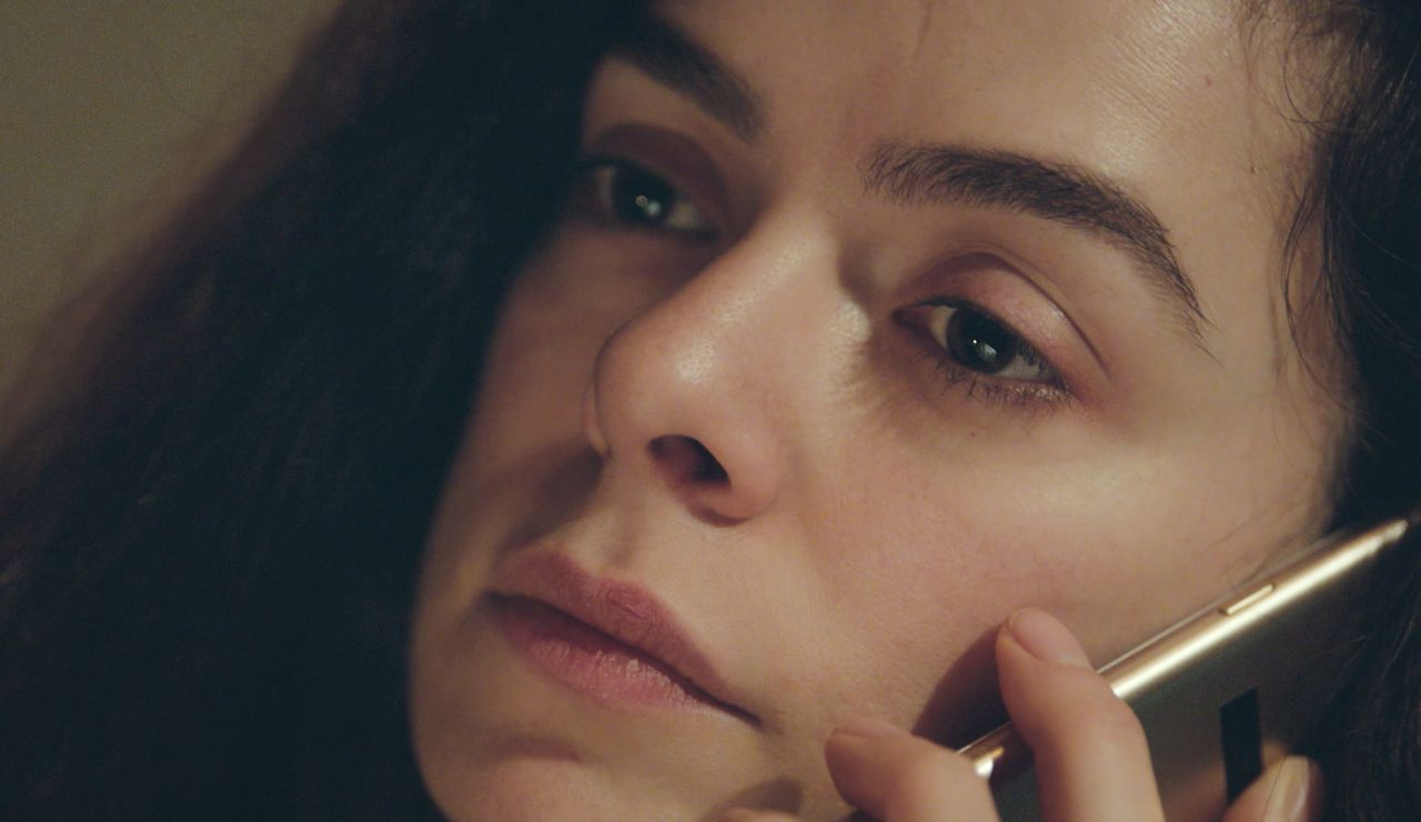 Avance de 'Mujer': Sarp, incapaz de garantizar a Bahar la seguridad de Nisan y Doruk