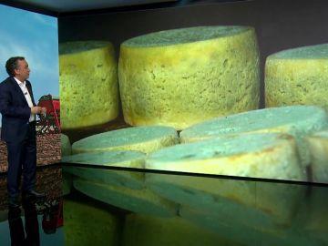 La aventura de recoger el queso en cuevas que permanecen cubiertas por la nieve