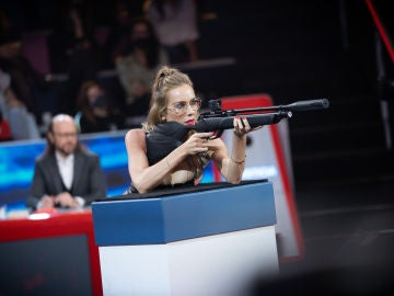 La Batalla de carabinas de Kira Miró