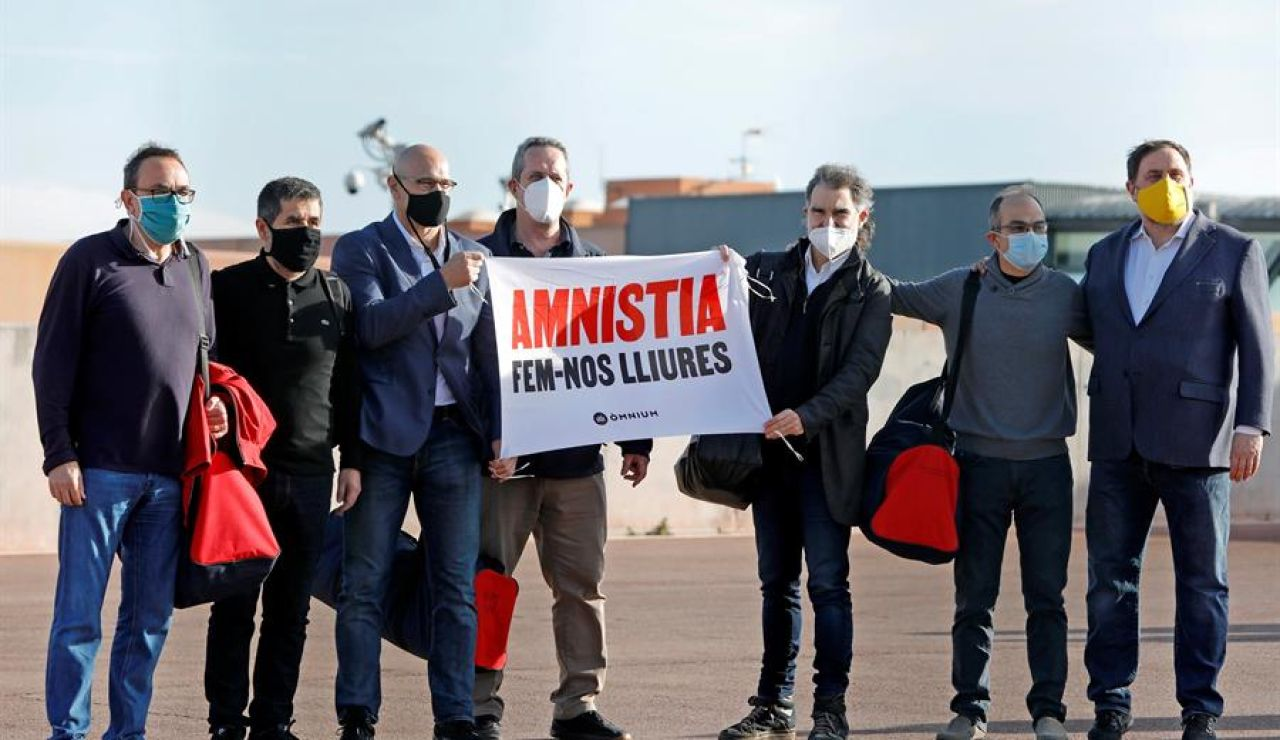 Los presos del procés salen de Lledoners pidiendo la amnistía