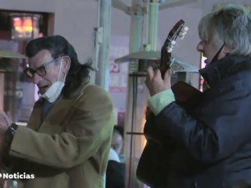 """Madrid se convierte en el destino de los franceses cansados de las restricciones de su país: """"Necesitamos oxígeno"""""""