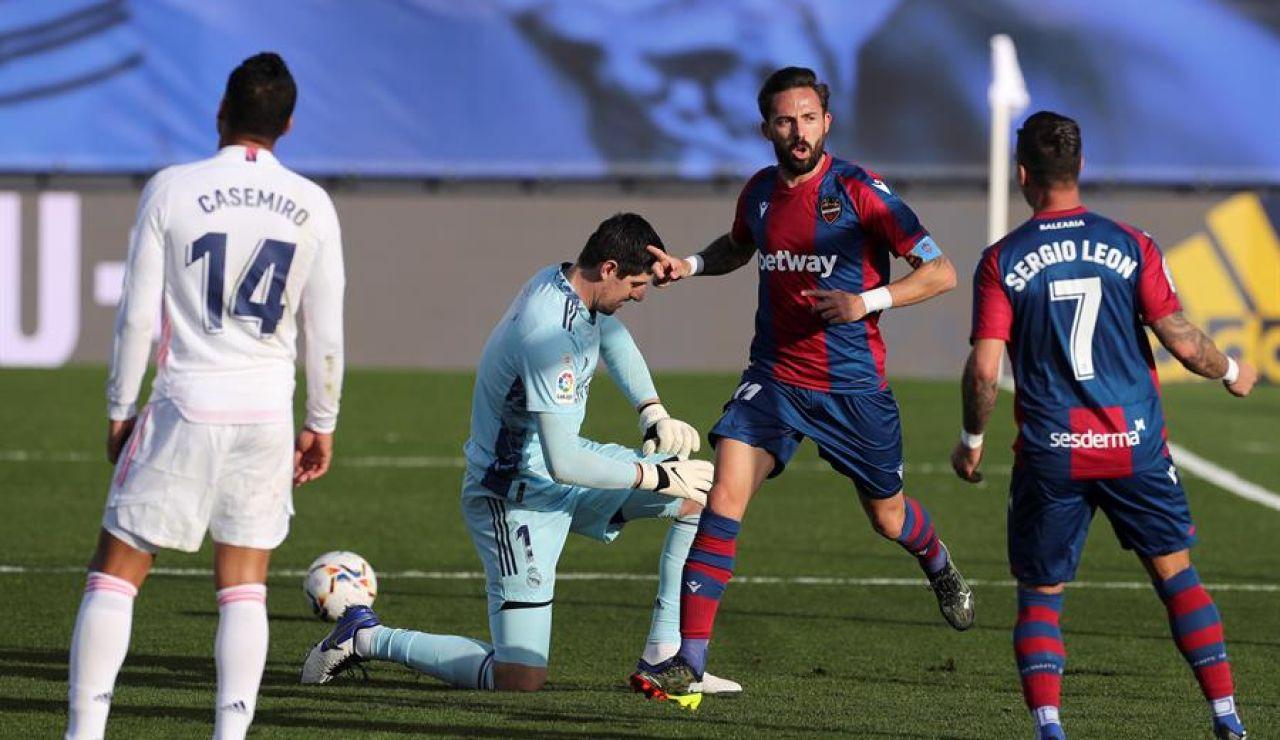 El Real Madrid naufraga en casa contra el Levante y tiene la Liga muy cuesta arriba