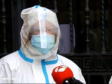 """La directora médica de una residencia afectada por un brote de coronavirus: """"Ha sido explosivo y hay personas de edades muy avanzadas"""""""