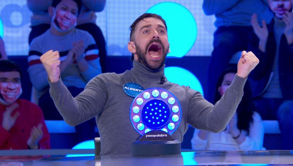 """El show de Alberto Amarilla con 'Noches de bohemia', Miguel Bosé y 'Probe Miguel': """"Me tiro al barro"""""""