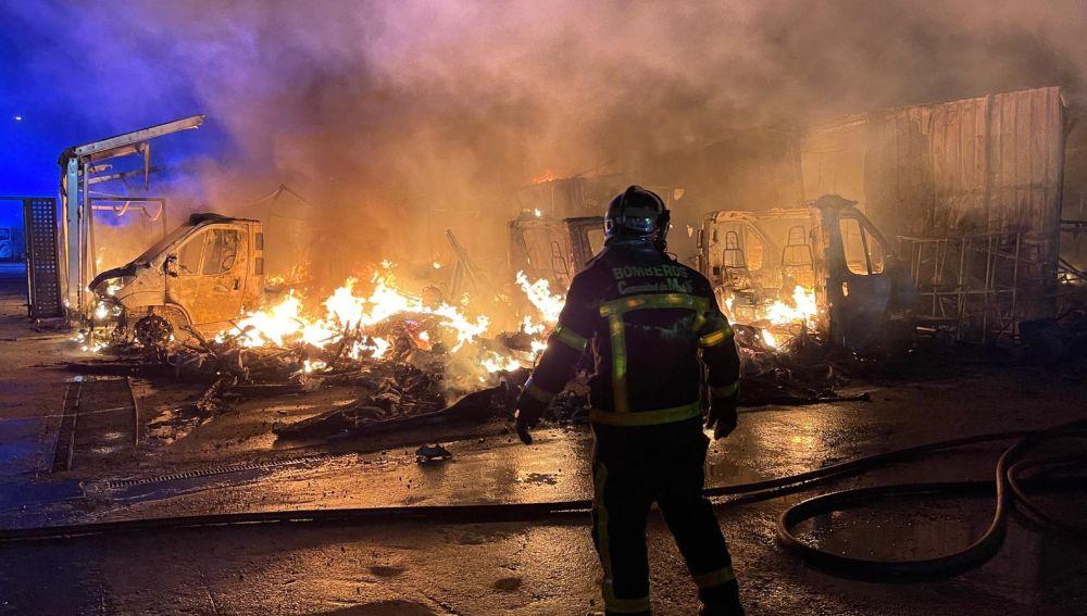 Incendio parking de caravanas