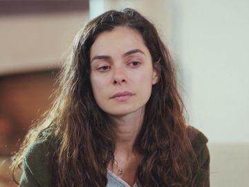 Bahar, desconcertada al descubrir que Piril ha elegido los regalos para Nisan y Doruk