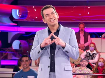Arturo Valls, maravillado con la forma de hablar de un concursante al estilo Martes y Trece