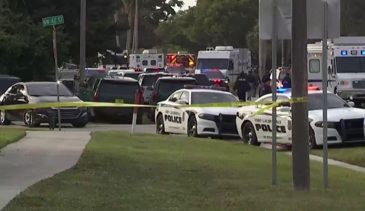 Mueren 2 agentes del FBI y otros 3 resultan heridos en un tiroteo en Florida