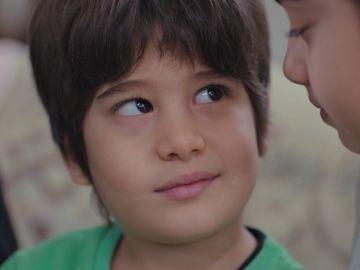 Nisan y Doruk se niegan a aceptar a los hijos de Sarp y Piril como sus hermanos