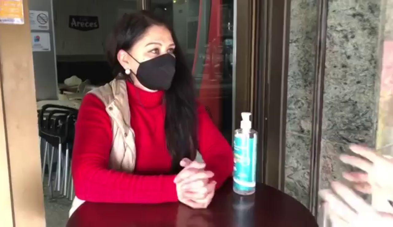 Una hostelera de Vilagarcía de Arousa podría enfrenarse a una multa de 15.000 euros por unos clientes que estaban bajo su toldo