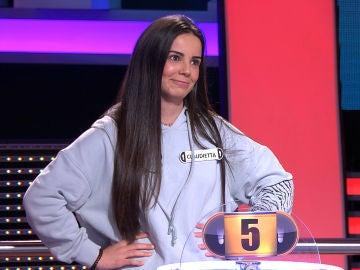 Claudia deja sin palabras a Arturo Valls al revelar su apellido en '¡Ahora caigo!'