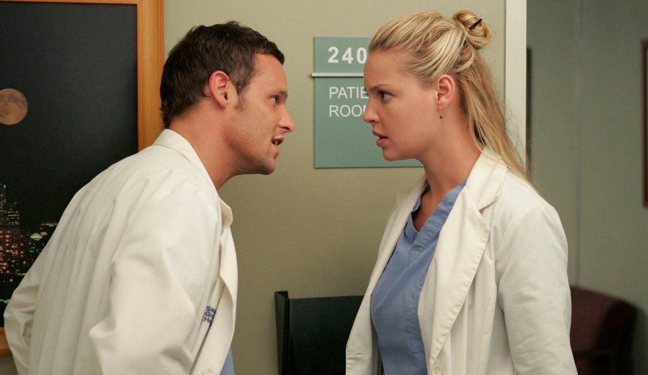 Justin Chambers y Katherine Heigl en 'Anatomía de Grey'