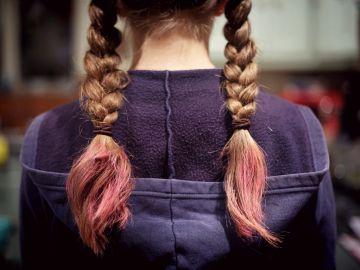 NIña con el pelo trenzado