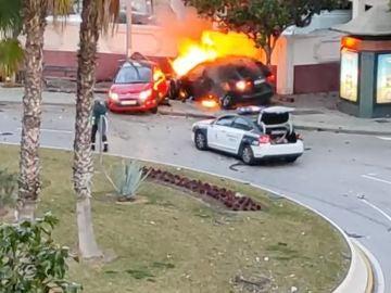 Un accidente de coche provoca el incendio de varios vehículos en Virreina