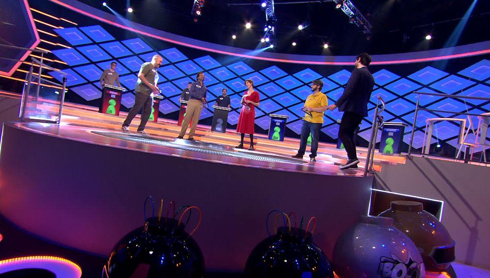 El tímido baile de 'Los dispersos' para celebrar su acierto en '¡Boom!'