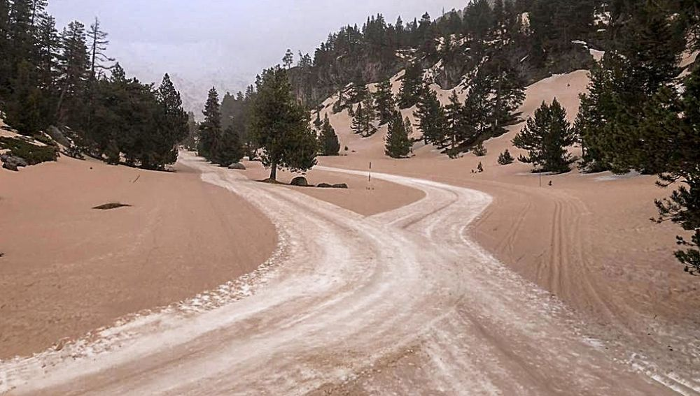 El Pirineo cubierto de polvo del Sahara