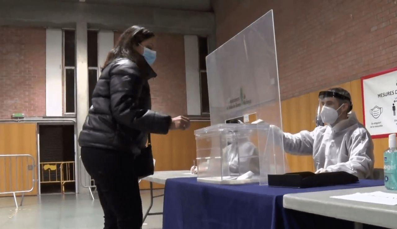 ¿Hasta qué hora puedo votar en las elecciones catalanas?
