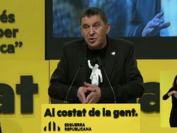 """Arnald Otegui, reclamo de ERC en su mitin central de campaña para las Elecciones Catalanas: """"La derecha sigue en el 'quién la tiene más larga'"""""""