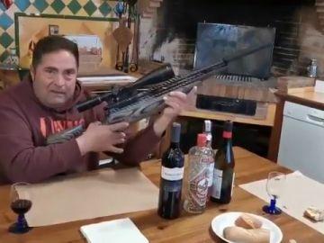 Los Mossos detienen a un hombre por amenazar con un rifle