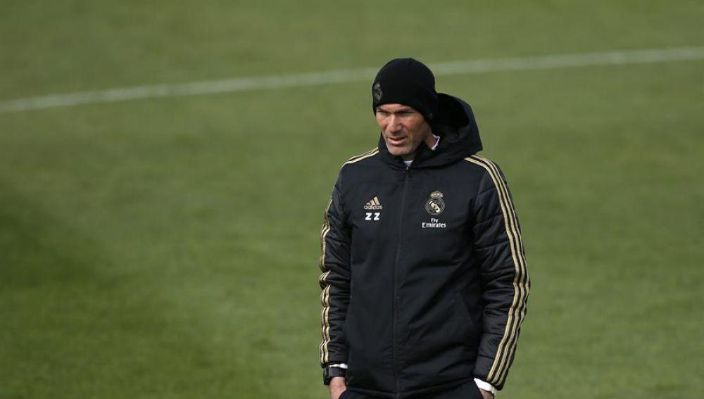 """Zidane no garantiza su continuidad en el Real Madrid: """"Vivo el día a día"""""""