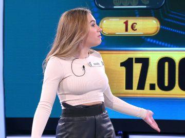 Arturo Valls alucina con el engaño de una concursante para colarle los saludos