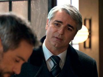 Juan, movido por los celos, se interesa en Gorka