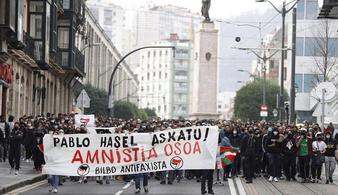 Disturbios y un detenido en la manifestación en apoyo a Pablo Hasél en Bilbao
