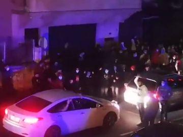 Protestas contra una familia okupa en Balmaseda.