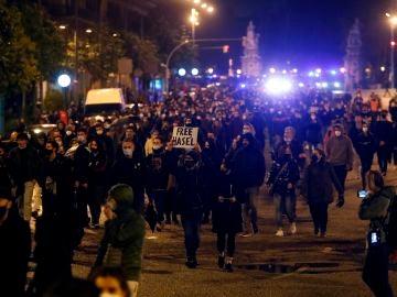 Nueva jornada de disturbios en Barcelona tras el encarcelamiento de Pablo Hasél