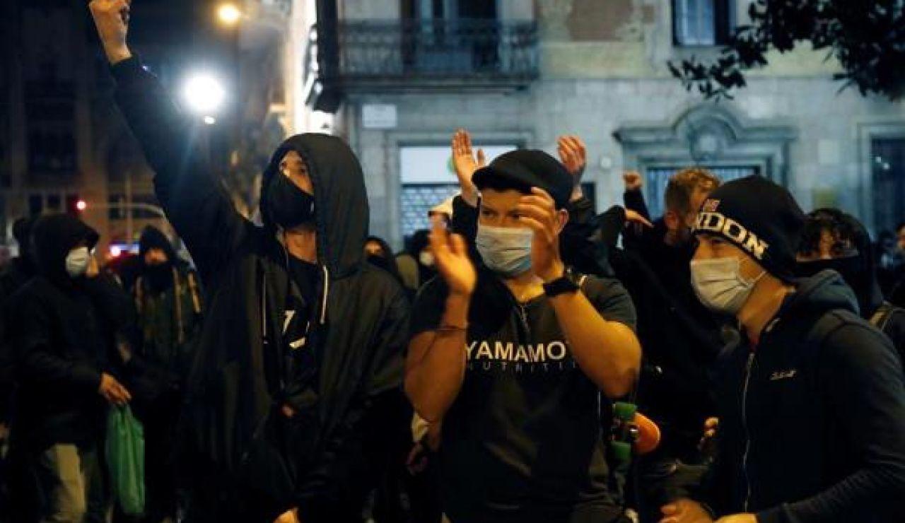 Imagen de un grupo de manifestantes por Pablo Hasél