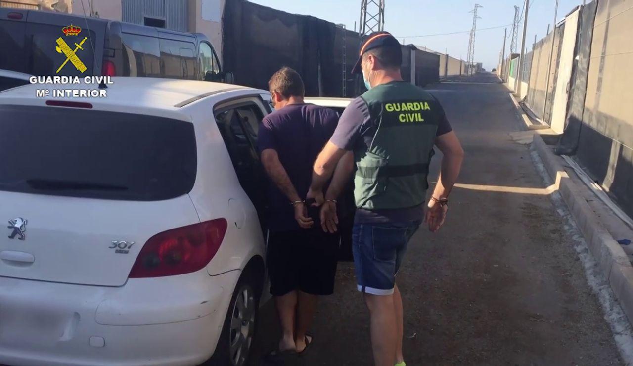 Un policía local y un legionario, entre los detenidos por una red de prostitución infantil en Almería