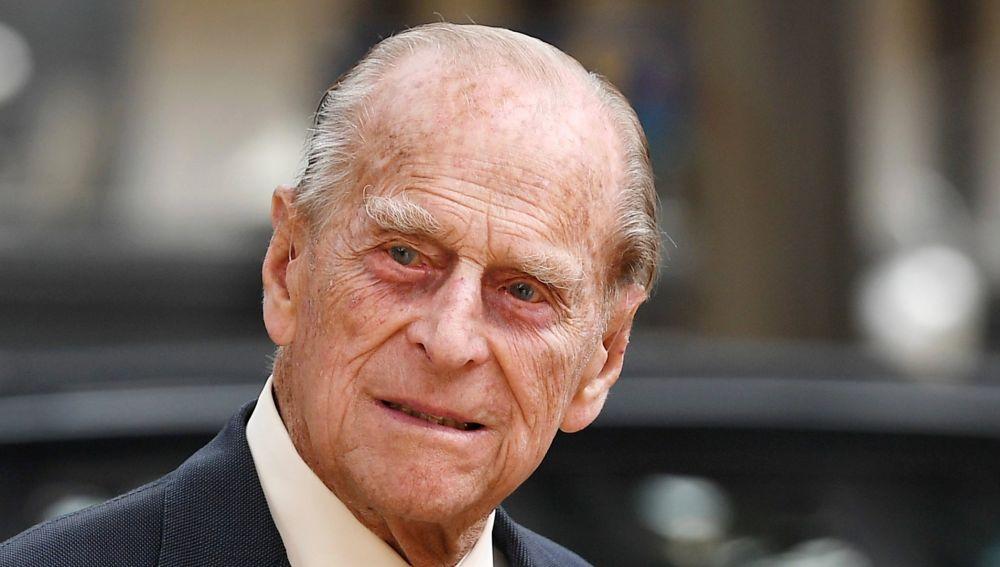 """Trasladan al duque Felipe de Edimburgo a otro hospital de Londres y aseguran que """"responde al tratamiento"""""""