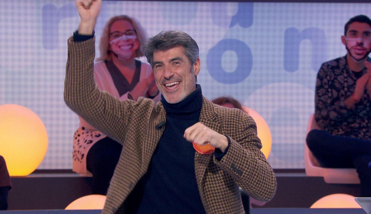 Jorge Fernández se rodea del público de 'La ruleta de la suerte' para sentirse como en casa en 'Pasapalabra'