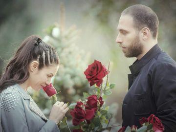 Piril recuerda su romance con Mert, una relación de rosas y espinas