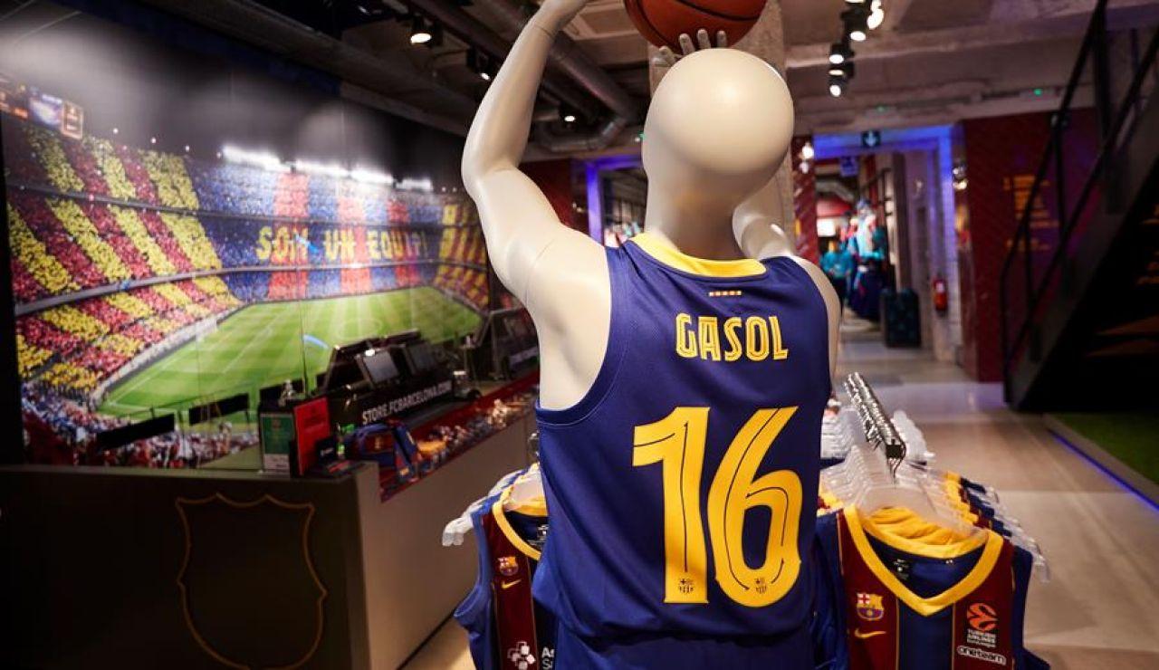 Locura para conseguir la nueva camiseta de Pau Gasol tras su vuelta al Barcelona