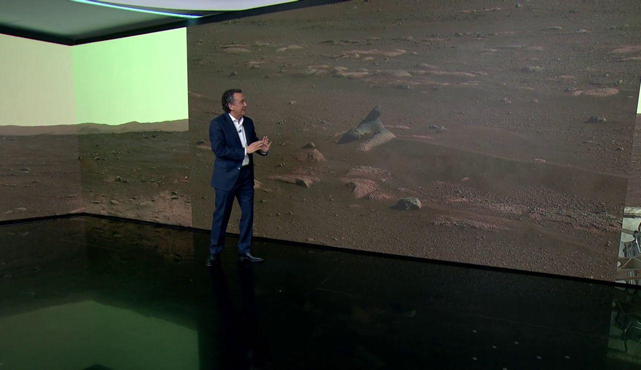 La foto en 360 grados de Marte enviada por el Persevarance que detecta 2 rocas llamativas