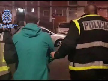 Imágenes del detenido facilitadas por la Policía Nacional a EFE.