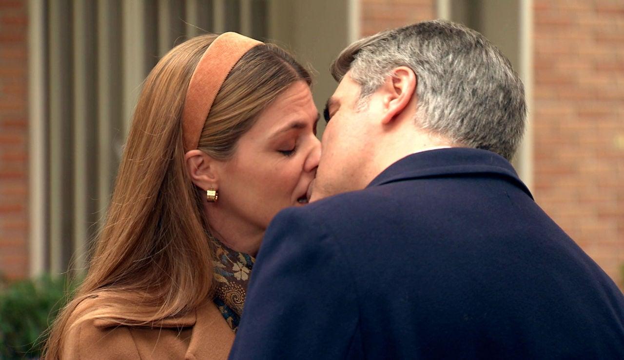 Gorka presencia un beso inesperado entre Juan y Maica