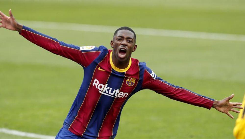 Dembelé tumba al Sevilla y mantiene al Barça en la lucha por la Liga