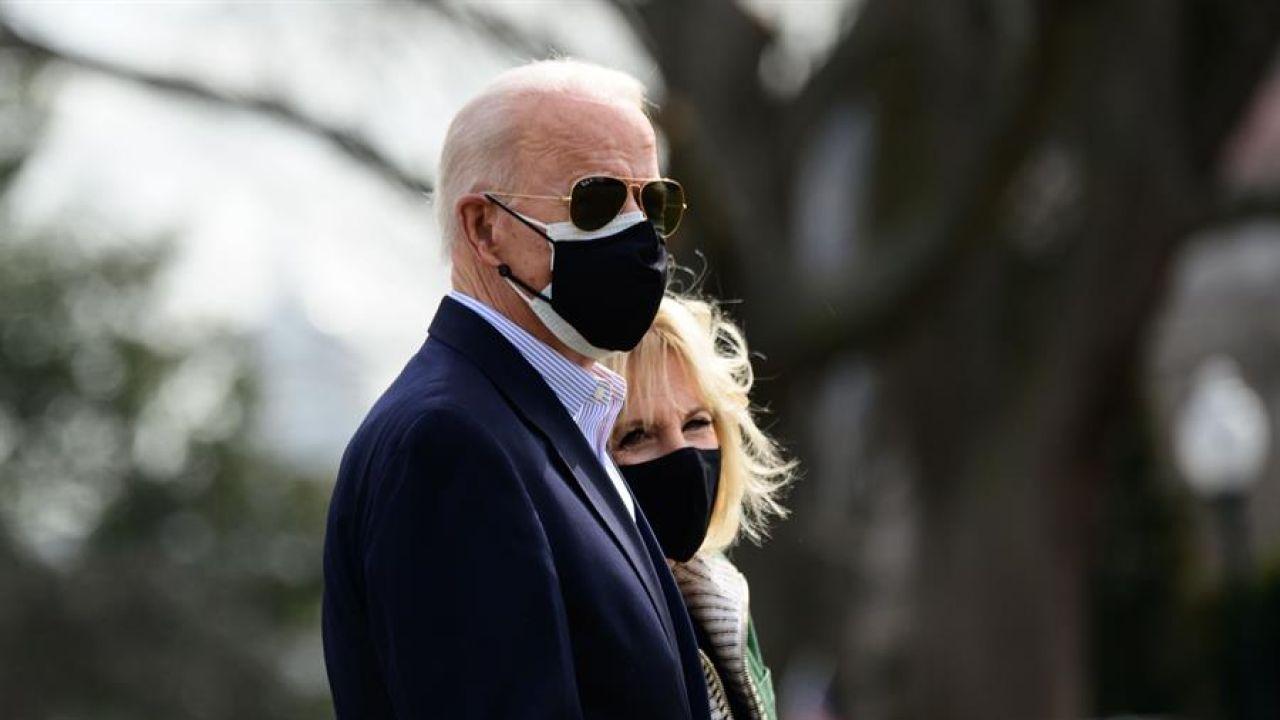 """Joe Biden avisa a Irán tras su bombardeo a las milicias: """"Tengan cuidado, no pueden actuar con impunidad"""""""