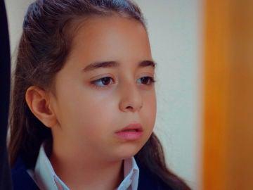 """Öykü, confusa tras la llegada de Asu a su vida: """"Mi madre está muerta"""""""