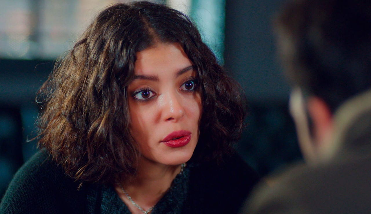 """Demir sorprende a Asu: """"Te daré la custodia de Öykü"""""""