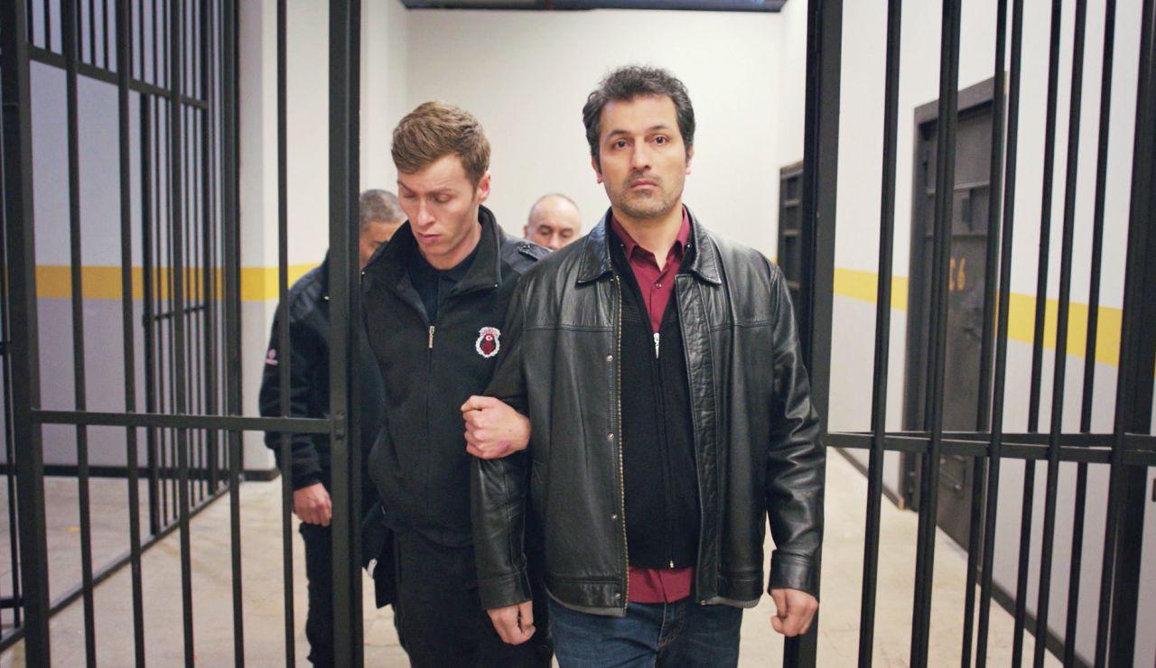 Arif y Yusuf entran en la cárcel por intentar proteger a Bahar