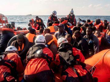Rescate de la ONG 'Sea Watch' en el Mediterráneo Central.