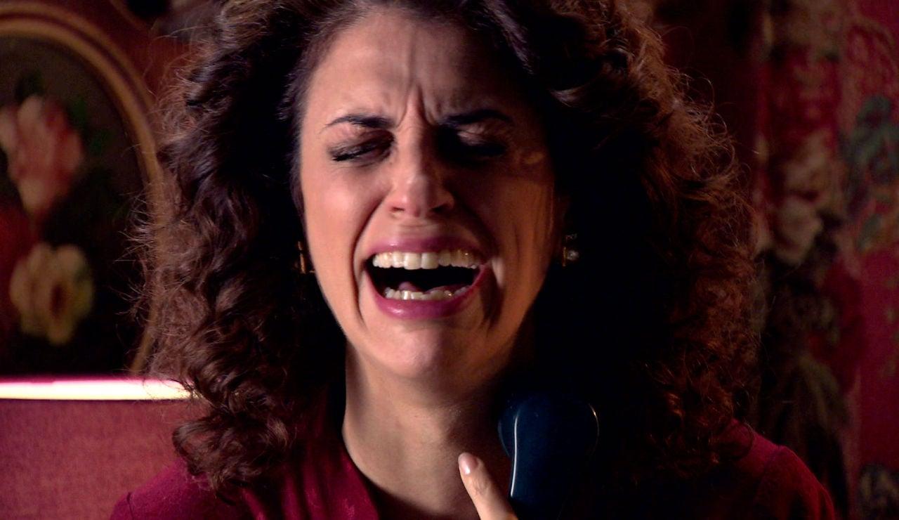 Beltrán llama a María a Londres para darle una trágica noticia